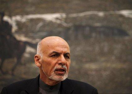 El presidente de Afganistán abre la puerta a negociar con los talibán si quieren la paz