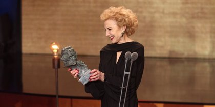 "Marisa Paredes, Goya de Honor 2018, afirma que volvería a ""repetir"" el discurso del ""No a la guerra"""