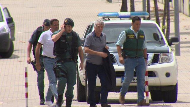 Guardia Civil lleva a Ángel María Villar a la sede de la RFEF el registro
