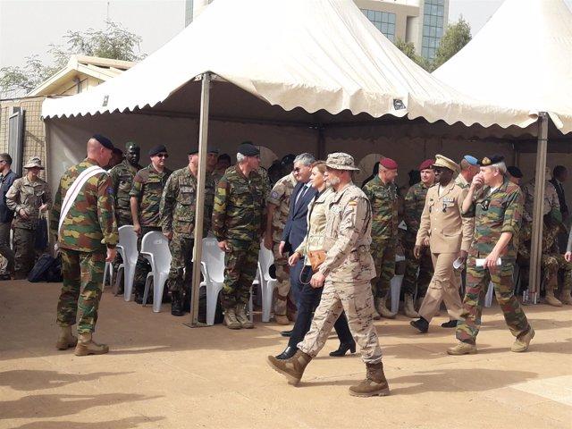 Cospedal con las tropas españolas en Bamako (Malí)