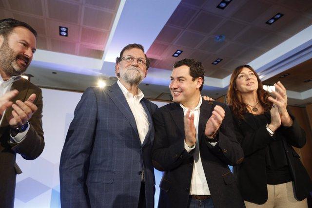 Juanma Moreno, entre Mariano Rajoy y Loles López