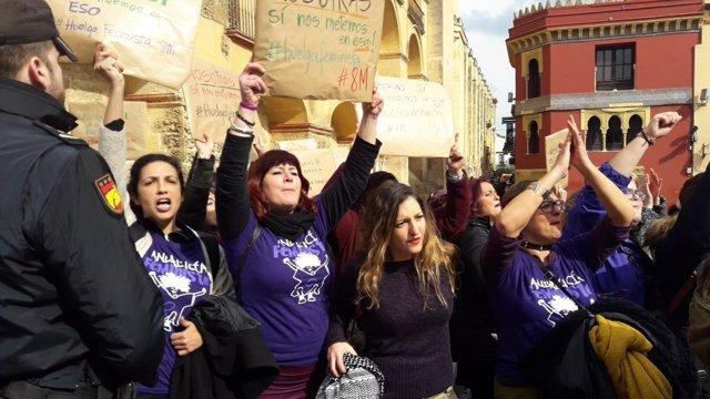 Protesta de mujeres del PCA en Córdoba