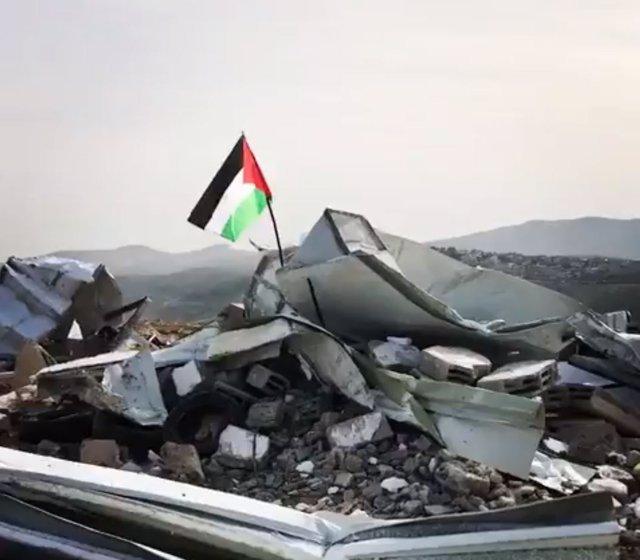 Escuela palestina demolida por Israel