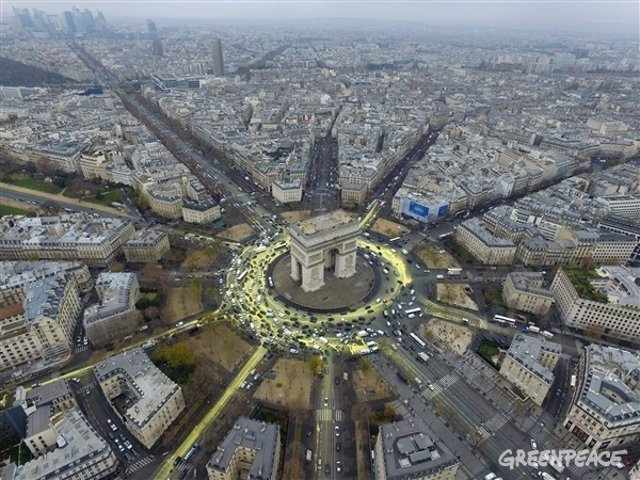 Plaza de la Estrella con el Arco de Triunfo en París