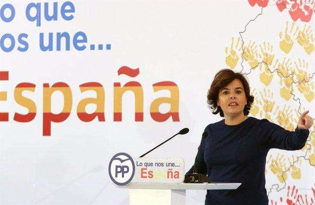 Soraya sáenz de santamaría en Málaga España nos une PP partido vicepresidenta