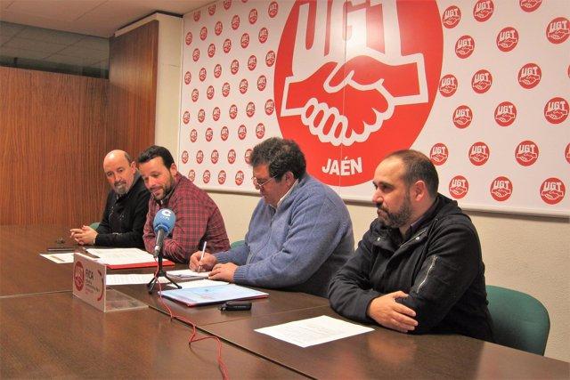 Jiménez (2d), en la rueda de prensa junto a representantes de UGT-Jaén.
