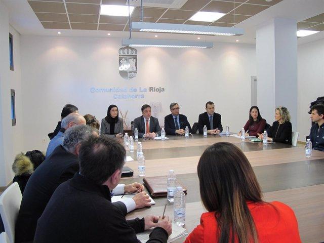 Reunión Galiana tema institutos Calahorra