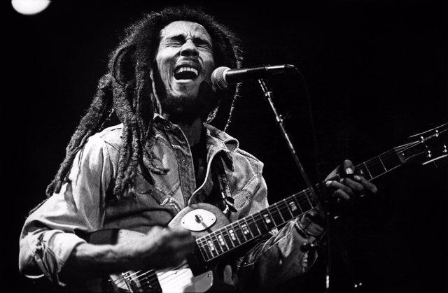 Bob Marley en concert en 1976  --- Bob Marley on stage in 1976 *** Local Caption