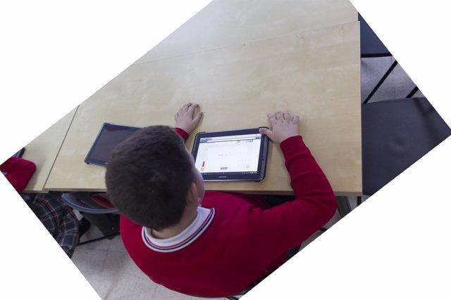 Colegio, aula, primaria, clase, niño, niña, niños, estudiando, estudiar, deberes