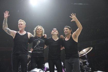 Metallica dona un euro por cada entrada vendida de sus conciertos en Madrid a la ONG Rais a favor de personas sin hogar