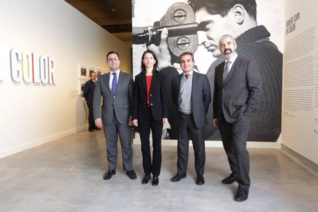 Gran exposición de la fotografía en color de Robert Capa en CaixaForum Sevilla