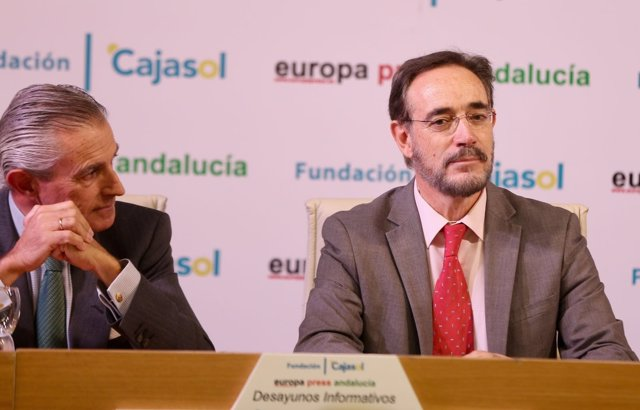 El consejero de Fomento, Felipe López, en los Desayunos Europa Press Andalucía