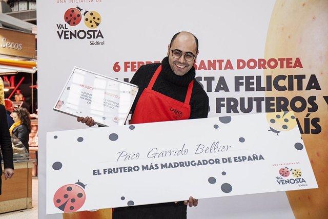 El valenciano Paco Garrido, nombrado 'Frutero más madrugador' de España