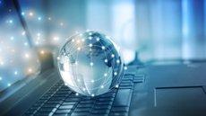 Dia de la Internet Segura: consells per mantenir el control de les dades personals i la teva identitat digital (WEBFUNDATION.ORG)