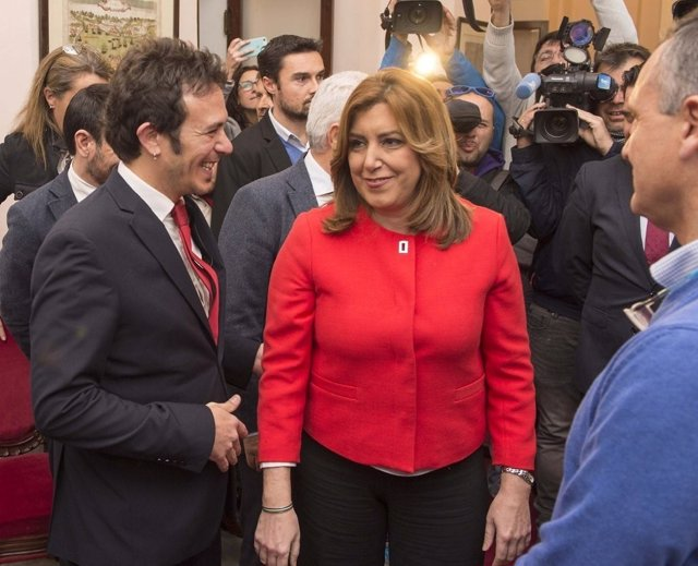 José María González 'Kichi' y Susana Díaz antes de su reunión en el Ayuntamiento