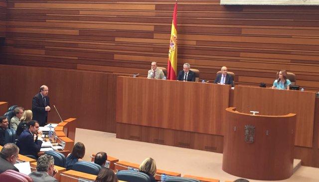 Juan Vicente Herrera en un Pleno de las Cortes
