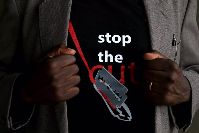 Campaña contra la mutilación genital femenina (archivo)
