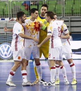 España celebra la victoria ante Ucrania en el Europeo de fútbol sala