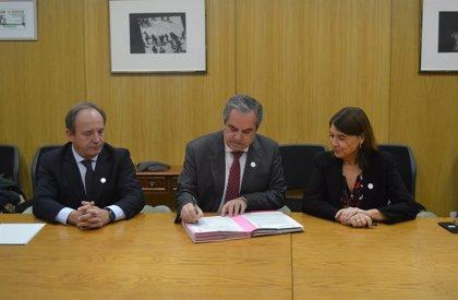 La AEMPS y los farmacéuticos firman un convenio para contribuir al uso prudente de los antibióticos