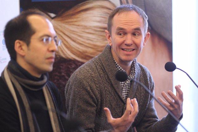 Tim Murray y John Fulljames en la presentación de la obra de teatro Street Scene