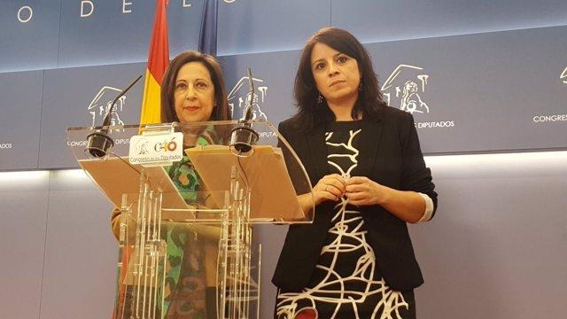 Margarita Robles y Adriana Lastra en el Congreso