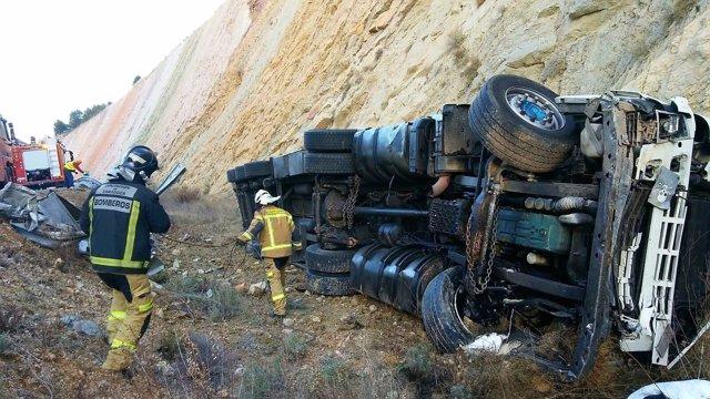 Un camionero muere en un accidente en Cetina.