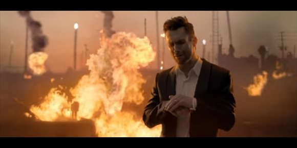 4. Muy mal rollo entre Adam Levine y Alexandra Daddario en el impactante nuevo videoclip de Maroon 5