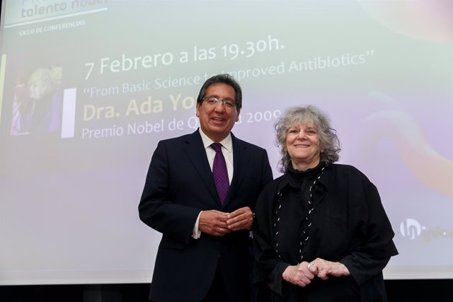 Antonio Pulido y Ada Yonath
