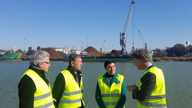 Visita al puerto de Sevilla