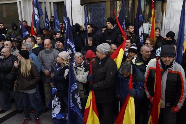 Desalojo a Hogar Social de su sede en Banco Madrid, okupada desde abril