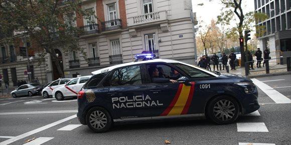 5. Detenidas 10 personas por vender matrimonios a 13.000€ para que inmigrantes consiguieran tarjeta de residencia