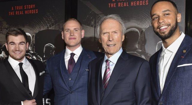 Clint Eastwood dirige 15.17 Tren a París