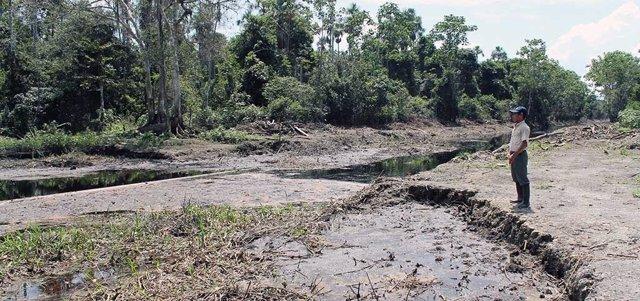 Vertidos de petróleo en la Amazonia peruana