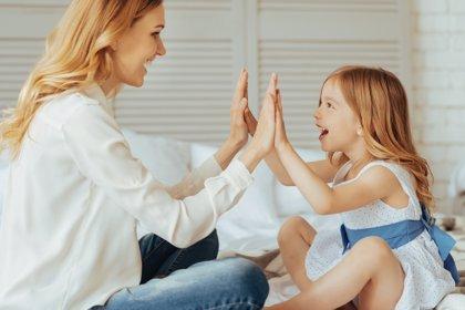 10 elogios por cada reproche: ¡súbele la autoestima a tus hijos!