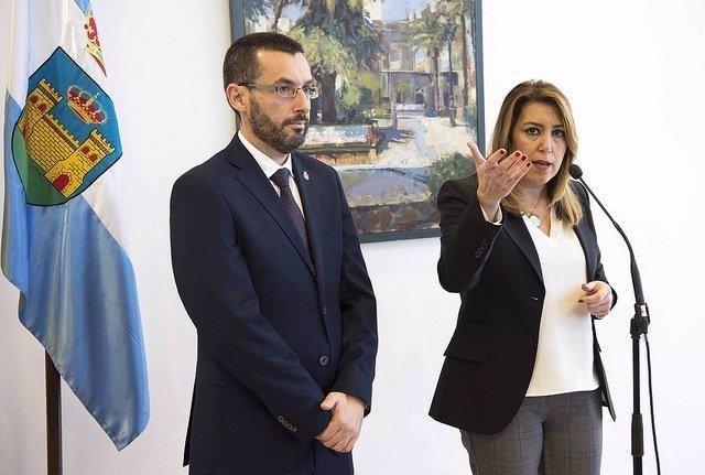 Susana Díaz con el alcalde de La Línea