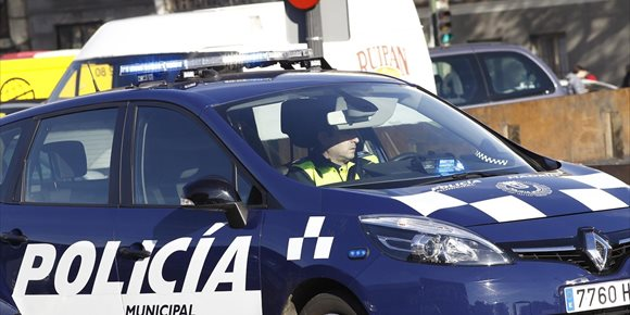 3. Detienen en Madrid a una mujer que llevaba borracha a un bebé de un año y al borde de la hipotermia