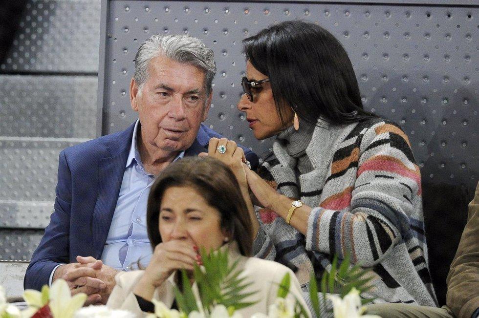 MANOLO SANTANA Y CLAUDIA RODRÍGUEZ