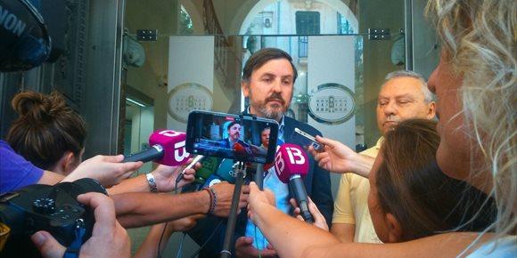 5. La Fiscalía no ve delito en los mensajes de Valores en Baleares sobre la conferencia de Hazteoir en Palma