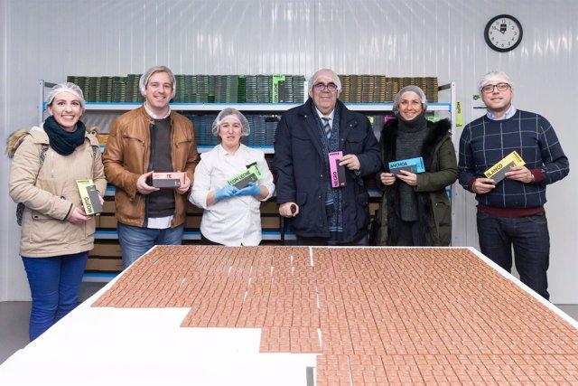 Oria visita las instalaciones de Monper en Reocín