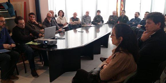 2. El Gobierno de Aragón se reúne con los ganaderos de la Ribagorza, tras detectarse la presencia del lobo