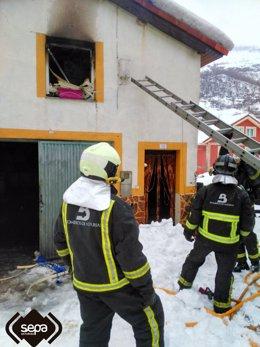 Incendio en casa en Caso
