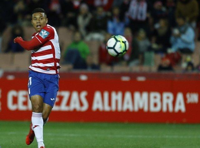 Machís marca un gol con el Granada