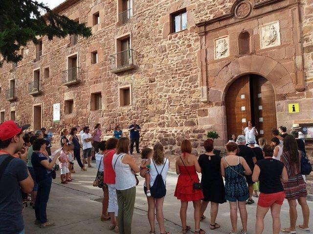 Una de las visitas guiadas que se realizan al Convento de Gotor