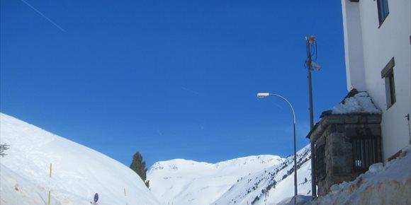 1. La nieve obliga a cortar el tráfico en diez tramos de carreteras turolenses
