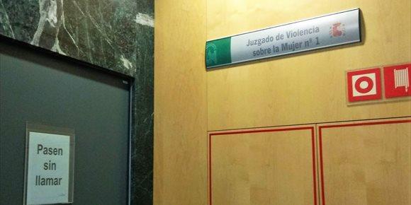 7. Piden en Almería nueve años para el acusado de tratar de matar a su pareja con una piedra cuando dormía
