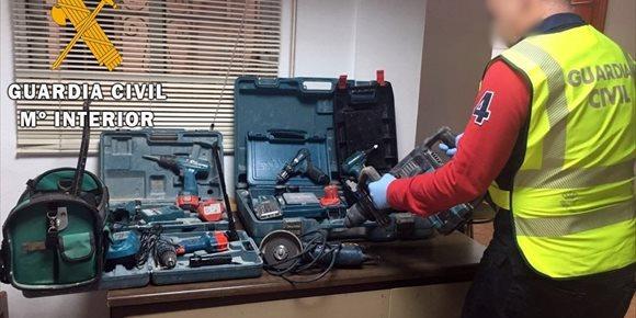 6. Detenidos en Almería dos acusados de robar herramientas de alta gama a un profesional de Los Gallardos