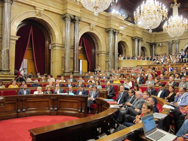 El tc anula el acuerdo de la mesa del parlament que for Mesa parlament