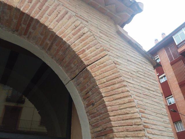Grietas detectadas en el edificio del Aula Cultural San Benito de Calatayud