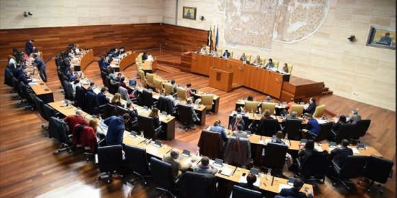 4. El proyecto de una mina de litio en Cáceres desata el enfrentamiento entre los grupos en la Asamblea
