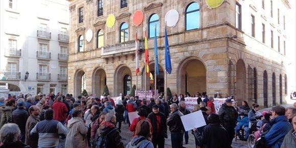 2. La Plaza Mayor acoge una concentración contra la precariedad